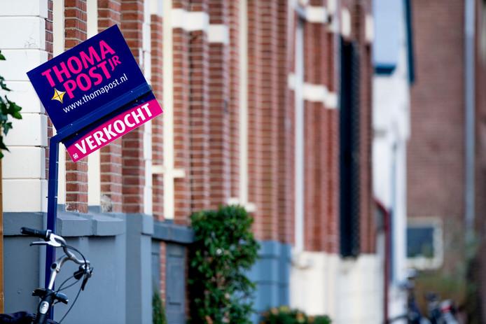 De huizenprijzen zijn in waarde gestegen. Bij verkoop zouden veel woningeigenaren goede zaken kunnen doen.