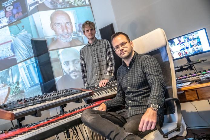 De gebroeders Van Till, met op de voorgrond Mathijs, die vorig jaar naar Zuid-Afrika afreisde om in contact te komen met lokale artiesten. Volgende week treden zij op in Hedon.