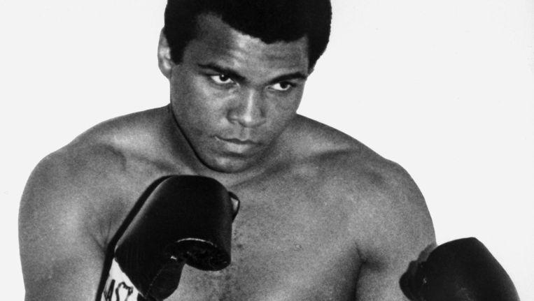 Muhammad Ali in Parijs in 1960 Beeld anp