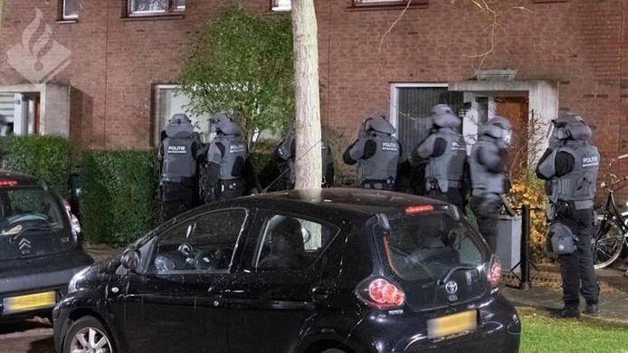 Eind 2018 viel de politie met groots machtsvertoon binnen bij kopstukken van Caloh Wahoh
