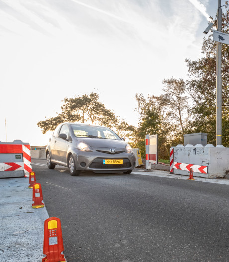 Vervanging fundering Langebrug in Oud Ade blijkt duur grapje voor Kaag en Braassem