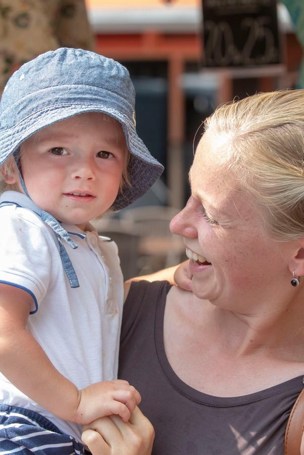 Mirjam de Vree met haar zoontje.