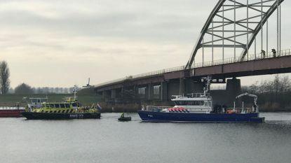 Doorbraak in zoektocht naar vermiste loodgieter uit Lint: politie haalt mortelkuip met mogelijk menselijke resten uit kanaal