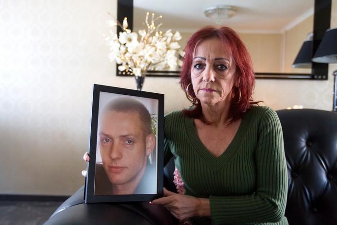 Stien Michielsen, moeder van de in de cel overleden Wimpie.