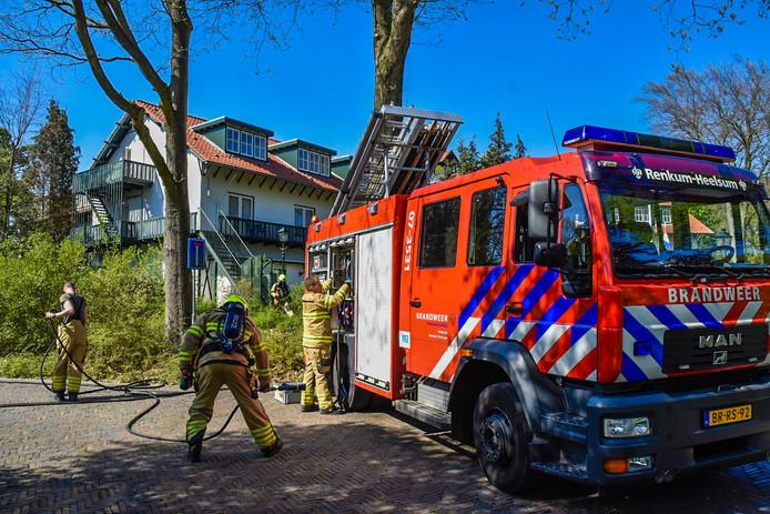 De hulpdiensten ter plaatse bij het hotel in Heelsum.