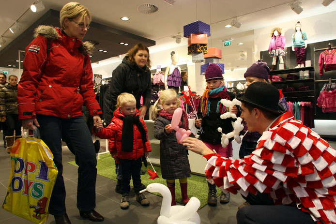 Mogen de winkels straks alle zondagmiddagen open in Zwolle?