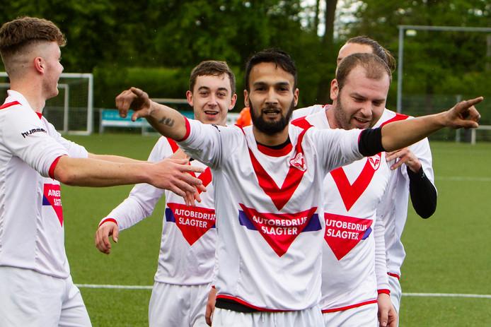 Sportclub Deventer vierde afgelopen seizoen de titel in 5G en hoopt door de komst van vijf nieuwe spelers ook in de vierde klasse mee te strijden om de prijzen.
