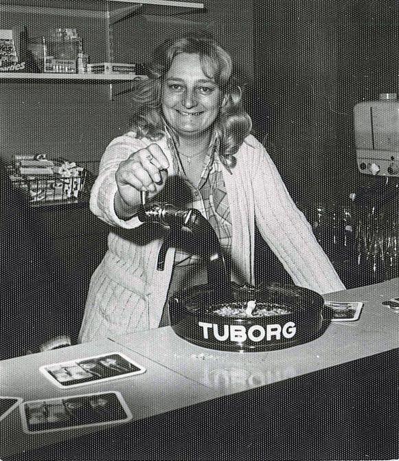 Mariette Verkoeyen destijds in café Spoetnik.
