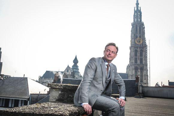 """De Wever: """"Iedereen zit maar te roepen dat het in Antwerpen Sodom en Gomorra is. Plezant, zenne. Maar ik laat mij niét zeggen dat ik niets gedaan heb."""""""
