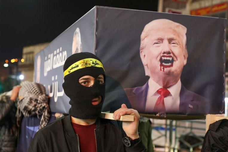 Demonstranten in Nablus protesteren tegen vredesplan van Trump Beeld AFP