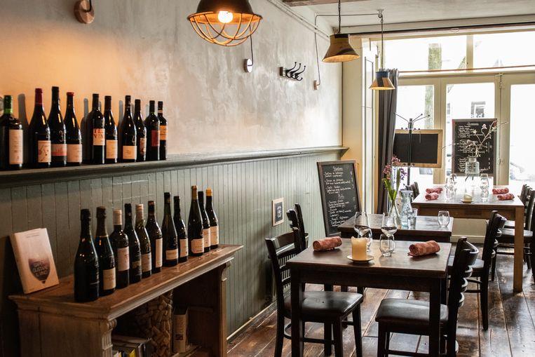 Ô Bistro is een traditionele bistro op de Lindengracht