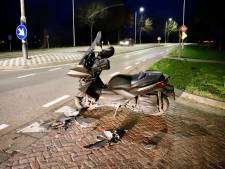 Bestuurder van motorscooter gewond in Oploo
