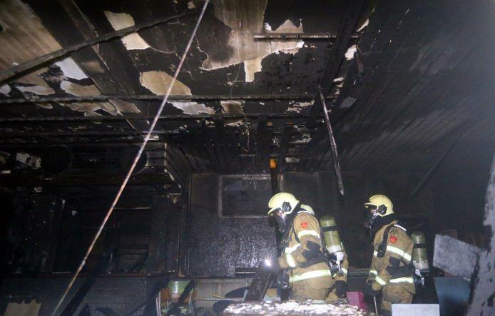 De brand legde een gedeelte van het pand in Vught in de as.
