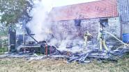 Oude tractor zet schuur in brand in Munkzwalm