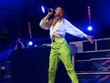 Maan betovert het publiek van het Zomerfestival in Leerdam