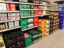Geen alcoholverkoop meer na acht uur 's avonds, hoe doen winkels dat? 'De koelingen gaan letterlijk op slot'