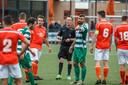 SC Welberg 1, in het oranje, speelde dit seizoen nog op zondag, maar gaat volgend seizoen op zaterdag voetballen