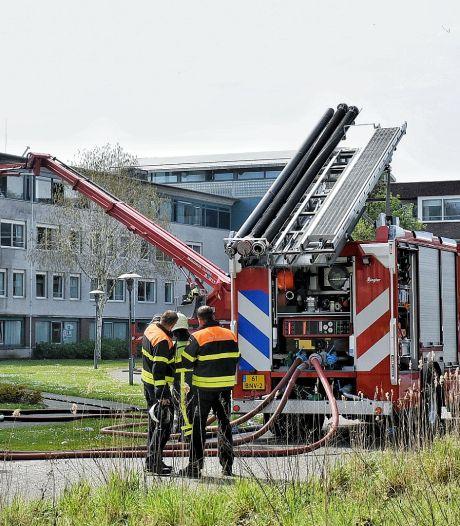 Bewoner ernstig gewond bij grote brand in woonzorgcentrum Reyshoeve in Tilburg