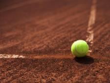 Tennisser Ruben Konings struikelt in Maputo