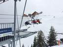 First Glider: een kabelbaan waar je horizontaal in hangt en met 83 kilometer per uur (achteruit) de berg op wordt geschoten
