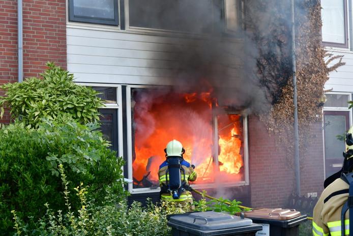 De brand in het huis aan de Gladiolenstraat in Duiven.