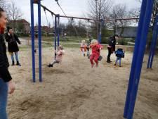 Het speeltuindilemma: deuren dicht of de zon in met je kind?