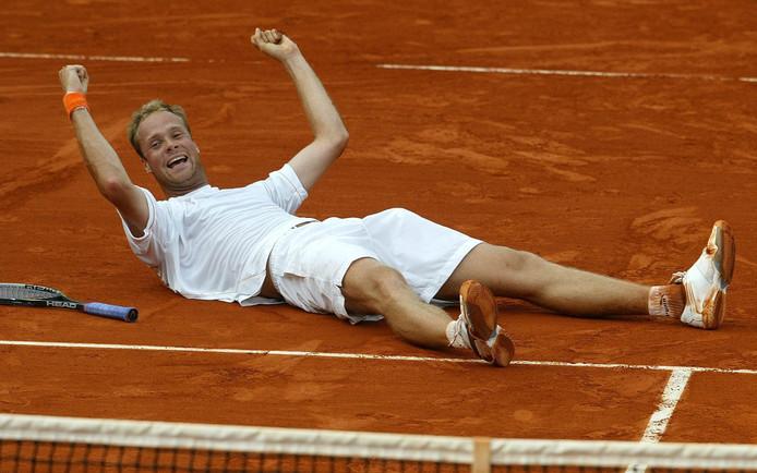 Martin Verkerk wint de kwartfinale op de Roland Garros.