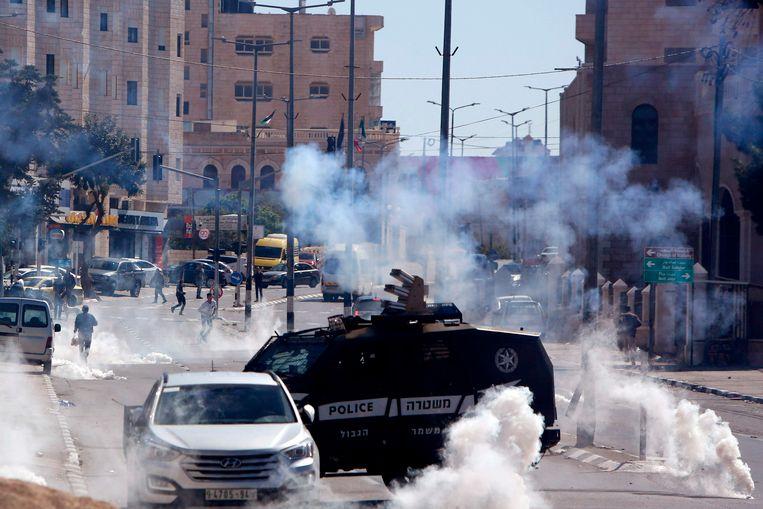 Israëlische troepen gebruiken traangas om Palestijnse betogers uit elkaar te drijven in Bethlehem.