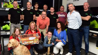 Geert en Nadia schenken 1.350 euro aan 'Vrienden der Blinden'