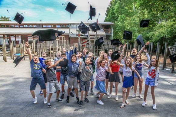Hun lagereschooltijd zit erop. Een nieuw avontuur wenkt, in het secundair onderwijs. Succes, jongens en meisjes!