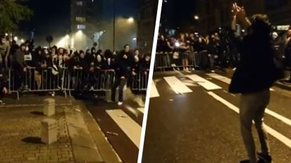 """Charleroi-fans lijken corona even te vergeten tijdens viering buiten stadion, Bayat feest mee: """"Controle ligt niet bij mij"""""""