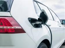 Eindhoven: opladen auto mogelijk via lantaarnpalen