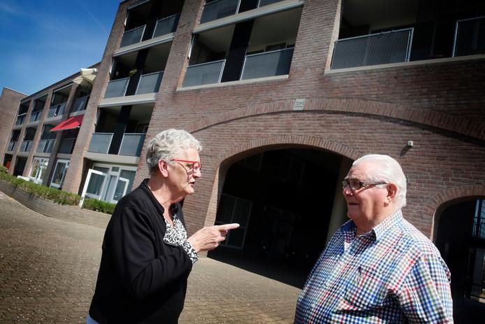 Mevrouw Van Hemert woont in De Schans en heeft het nog regelmatig over de vuurwerkbom.