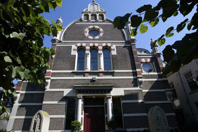 De synagoge aan de Golstraat. De gemeente Deventer wijst de vergunningaanvraag voor een foodhall in het rijksmonument af.