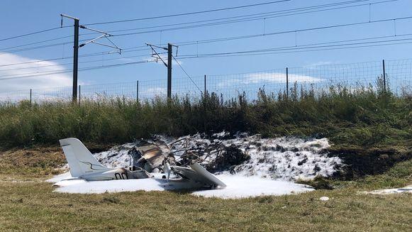 Het uitgebrande vliegtuigje.
