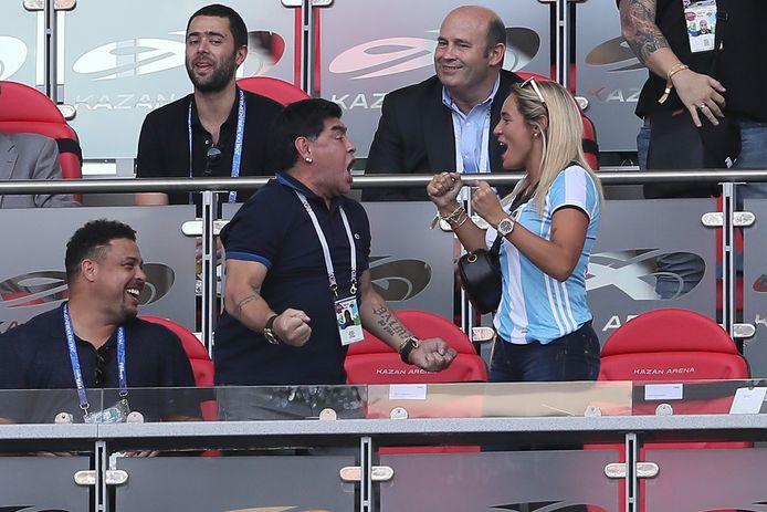 Maradona met Rocío Oliva