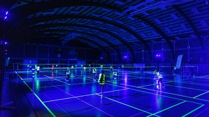 Badminton eens in blacklight