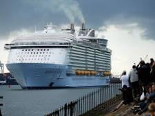 Grootste cruiseschip ter wereld legt aan in Rotterdam