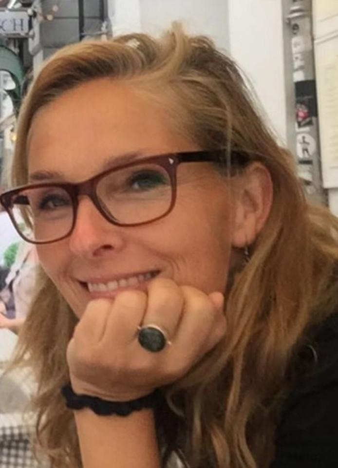 Esther Ruesen.