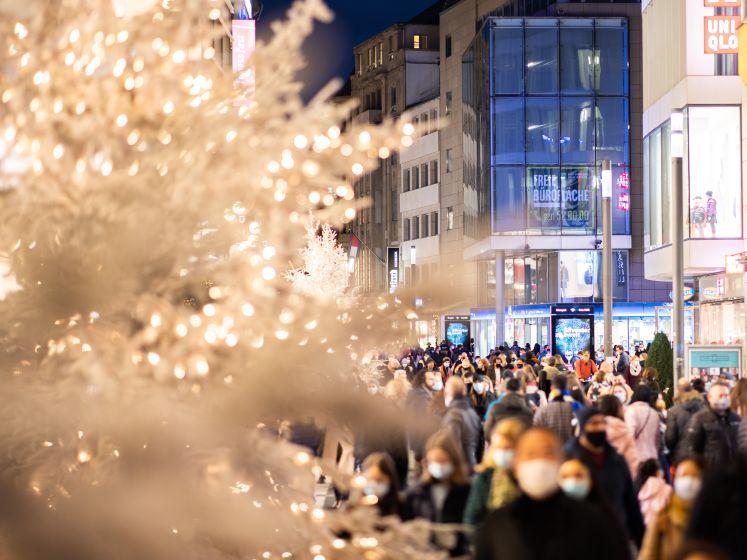 OVERZICHT. Zo pakken onze buurlanden de kerstperiode aan, wat doet België vrijdag?