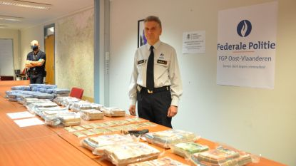 Politie onderschept 37 kilogram cocaïne in Gentse haven, en neemt ook nog eens 1,7 miljoen euro cash en 20 kilo goud in beslag