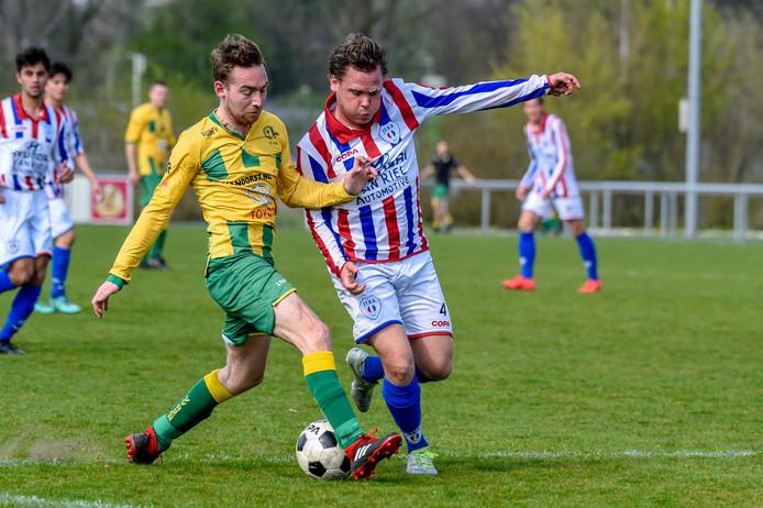 07-04-2019 - Bavel - Foto: Pix4Profs/Peter Braakmann - nr 7 Rutger v.d. Heuvel Rijen 1 in duel met Jules Philippart Jeka 1