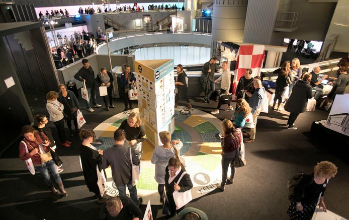 kennisfestival in het Evoluon Eindhoven