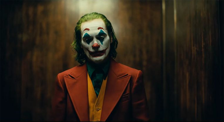 Het titelpersonage Joker is bekend als Batmanschurk maar heeft nu zijn eigen film.  Beeld Warner Bros.