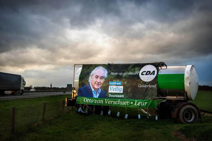 Verkiezingsbord voor het CDA langs de A50 bij Wijchen.