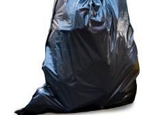 Gedumpte vuilniszak gaat open voor adrescontrole in Westervoort en Duiven