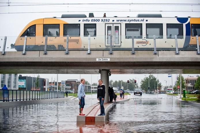 De regenbui op 26 augustus 2010: straten kwamen blank te staan en tunnels zoals die in de Eektestraat vulden zich met water