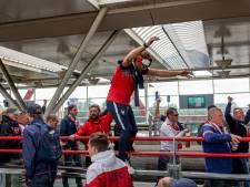 Nog acht Lille-fans vast voor rellen bij metrostations Amsterdam