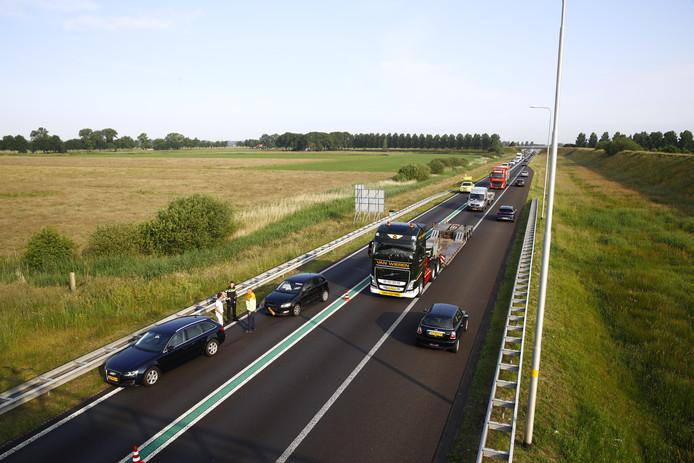 Door een ongeluk op de N50 tussen beide afslagen bij Kampen was oponthoud voor het verkeer ontstaan.