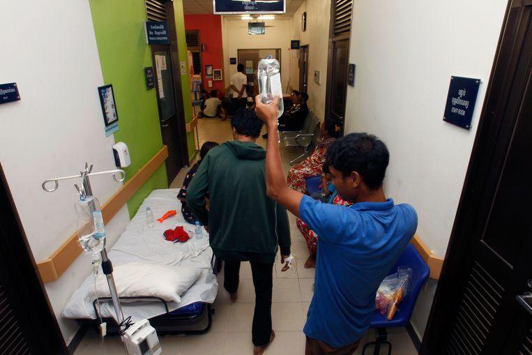 Slachtoffers worden verzorgd in een nabijgelegen ziekenhuis.